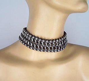 Ball-n-Chain Chainmaille Choker w/ Black Accent